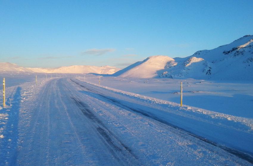 Stormviðvörun í kvöld
